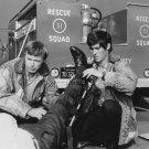 KEVIN TIGHE & RANDOLPH MANTOOTH IN 'EMERGENCY' - 8X10 PUBLICITY PHOTO (DA-620)