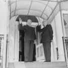 PRESIDENT HARRY TRUMAN WITH IRAN PRIME MINISTER MOSSADEGH - 8X10 PHOTO (AA-043)