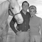 """ALAN YOUNG, CONNIE HINES AND """"MISTER ED"""" - 8X10 PUBLICITY PHOTO (ZY-130)"""