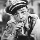 DON KNOTTS BARNEY FIFE IN 'THE ANDY GRIFFITH SHOW' 8X10 PUBLICITY PHOTO (NN-000)