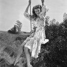 ACTRESS RITA HAYWORTH - 8X10 PUBLICITY PHOTO (NN-078)