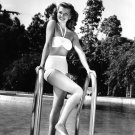 ACTRESS RITA HAYWORTH - 8X10 PUBLICITY PHOTO (NN-080)