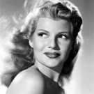 LEGENDARY ACTRESS RITA HAYWORTH - 8X10 PUBLICITY PHOTO (NN-091)