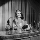 ACTRESS RITA HAYWORTH - 8X10 PUBLICITY PHOTO (NN-109)