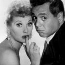 LUCILLE BALL AND DESI ARNAZ SHOW - 8X10 PUBLICITY PHOTO (ZZ-374)