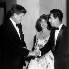JOHN F. KENNEDY & JULIE LONDON WHITE HOUSE CORRESPONDENTS' DINNER - 8X10 PHOTO (BB-296)