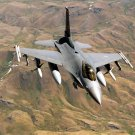 USAF F-16C FIGHTING FALCON ON PATROL OVER NORTHERN IRAQ - 8X10 PHOTO (EP-034)