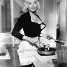 JAYNE MANSFIELD IN 'THE GIRL CAN' T HELP IT' - 8X10 PUBLICITY PHOTO (DA-428)
