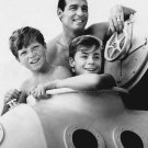 'HUMAN' CAST FROM THE NBC TV SERIES 'FLIPPER' - 8X10 PUBLICITY PHOTO (DA-485)