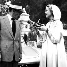 FRANK SINATRA & GRACE KELLY ON THE SET OF 'HIGH SOCIETY' - 8X10 PHOTO (AA-940)