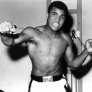 MUHAMMAD ALI LEGENDARY BOXER 'THE GREATEST' - 8X10 PUBLICITY PHOTO (ZY-137)