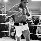 MUHAMMAD ALI LEGENDARY BOXER 'THE GREATEST' - 8X10 PUBLICITY PHOTO (ZY-150)