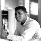 BOXER CASSIUS CLAY MUHAMMAD ALI IN FEBRUARY 1964 - 8X10 PUBLICITY PHOTO (ZY-162)