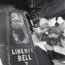 JOHN GLENN HELPS ASTRONAUT GUS GRISSOM ENTER LIBERTY BELL 7 8X10 PHOTO (EP-468)