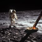 APOLLO 11 ASTRONAUT BUZZ ALDRIN WALKS ON THE MOON - 8X10 PHOTO (AA-679)