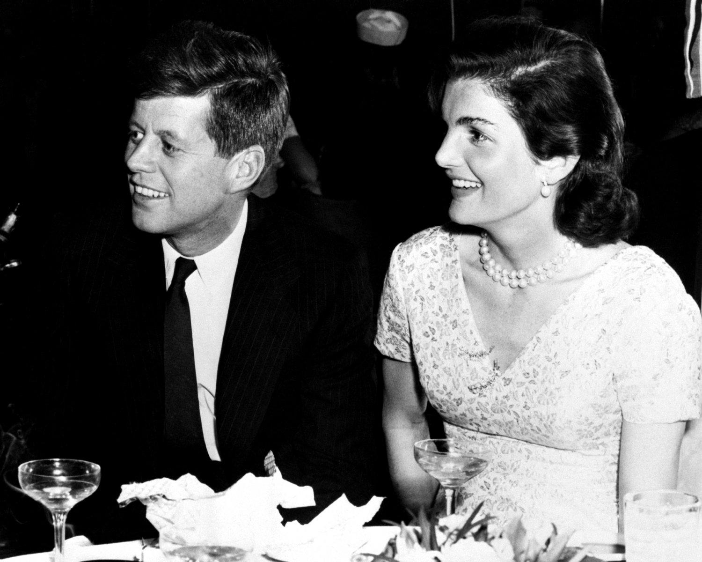 SENATOR JOHN F. KENNEDY AND JACKIE AT THE STORK CLUB IN 1955 8X10 PHOTO (AA-167)