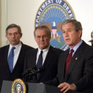 PRESIDENT GEORGE W. BUSH WITH RUSMFELD WOLFOWITZ AT PENTAGON 8X10 PHOTO (AA-862)