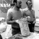 APOLLO 14 ASTRONAUTS ED MITCHELL ALAN SHEPARD WITH SAMPLES - 8X10 PHOTO (AA-907)