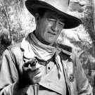 JOHN WAYNE IN THE 1961 FILM 'THE COMANCHEROS' - 8X10 PUBLICITY PHOTO (AA-731)