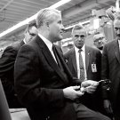 DR. WERNHER VON BRAUN ASKS QUESTION ABOUT WELDING IN 1967 - 8X10 PHOTO (AA-737)