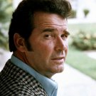 "JAMES GARNER ""JIM ROCKFORD"" IN THE ROCKFORD FILES 8X10 PUBLICITY PHOTO (BB-354)"
