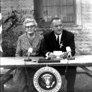 PRESIDENT LYNDON B. JOHNSON REMARKS AFTER SIGNING EDUCATION ACT 8X10 PHOTO (BB-136)