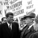 SENATOR JOHN F. KENNEDY CAMPAIGNS IN NASHUA, N.H. JANUARY, 1960 - 8X10 PHOTO (AA-135)
