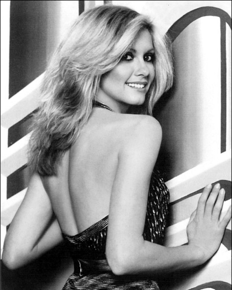 OLIVIA NEWTON-JOHN IN THE FILM 'XANADU' - 8X10 PUBLICITY PHOTO (AZ-011)