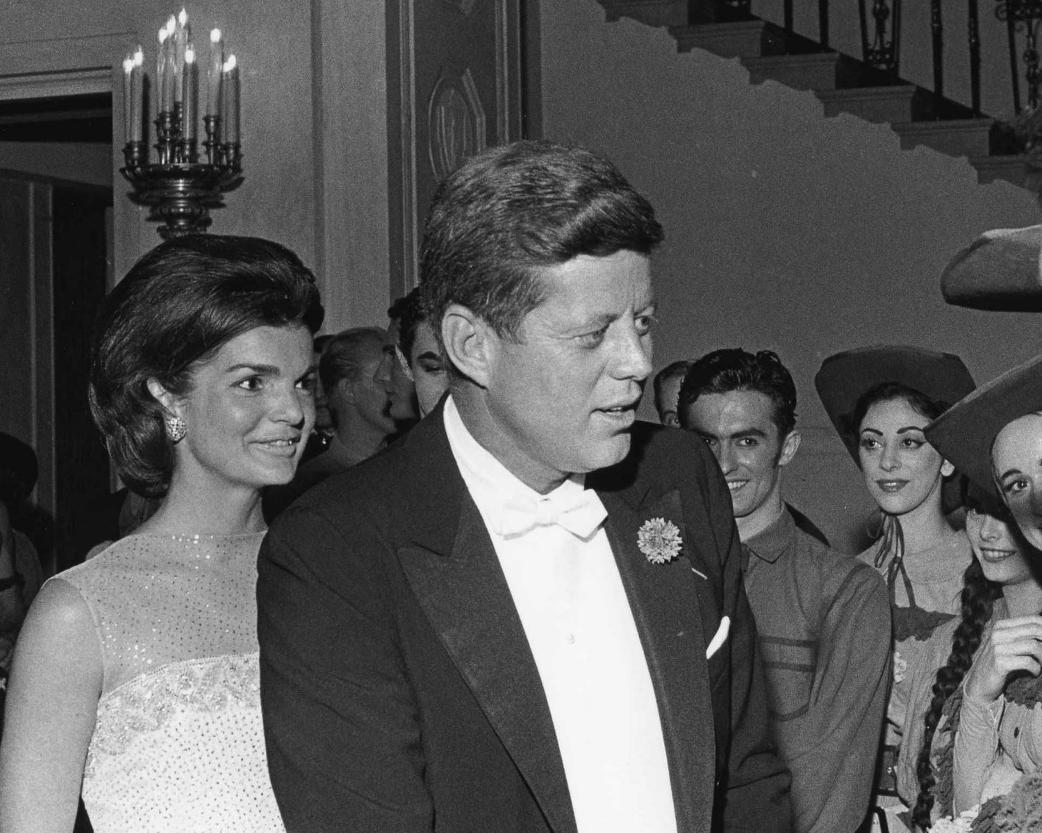 PRESIDENT JOHN F. KENNEDY WITH JACKIE DURING FORMAL EVENING 8X10 PHOTO (AA-237)