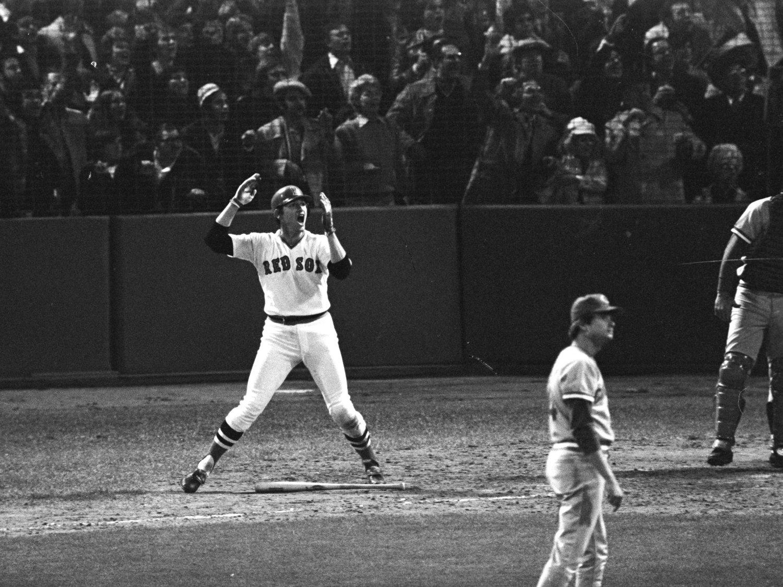 "CARLTON FISK ""WAVES IT FAIR"" GAME 6 1975 WORLD SERIES BOSTON 8X10 PHOTO (AZ-040)"
