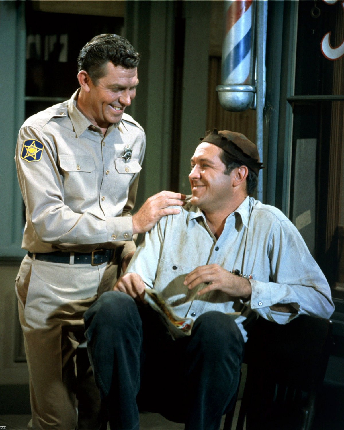 ANDY GRIFFITH & GEORGE LINDSEY IN 'THE ANDY GRIFFITH SHOW' - 8X10 PHOTO (AZ-044)