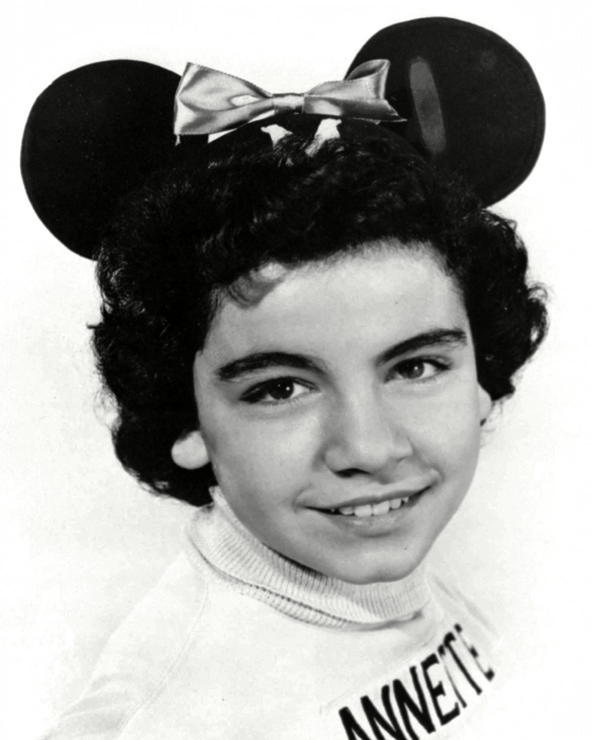 MOUSKETEER ANNETTE FUNICELLO THE MICKEY MOUSE CLUB 8X10 PUBLICITY PHOTO (BB-880)