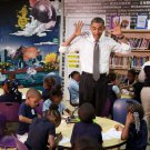 PRESIDENT BARACK OBAMA VISITS WITH PRE-KINDERGARTEN KIDS - 8X10 PHOTO (CC-050)