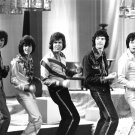 'THE OSMONDS' APPEAR ON FRENCH TV PROGRAM IN 1975 8X10 PUBLICITY PHOTO (DD-010)