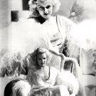 CARROLL BAKER AS 'JEAN HARLOW' IN FILM 'HARLOW' - 8X10 PUBLICITY PHOTO (DD-032)
