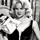 CARROLL BAKER AS 'JEAN HARLOW' IN FILM 'HARLOW' - 8X10 PUBLICITY PHOTO (XDD-038)