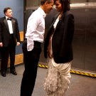 PRESIDENT BARACK OBAMA & MICHELLE SHARE PRIVATE MOMENT - 8X10 PHOTO (EE-101)
