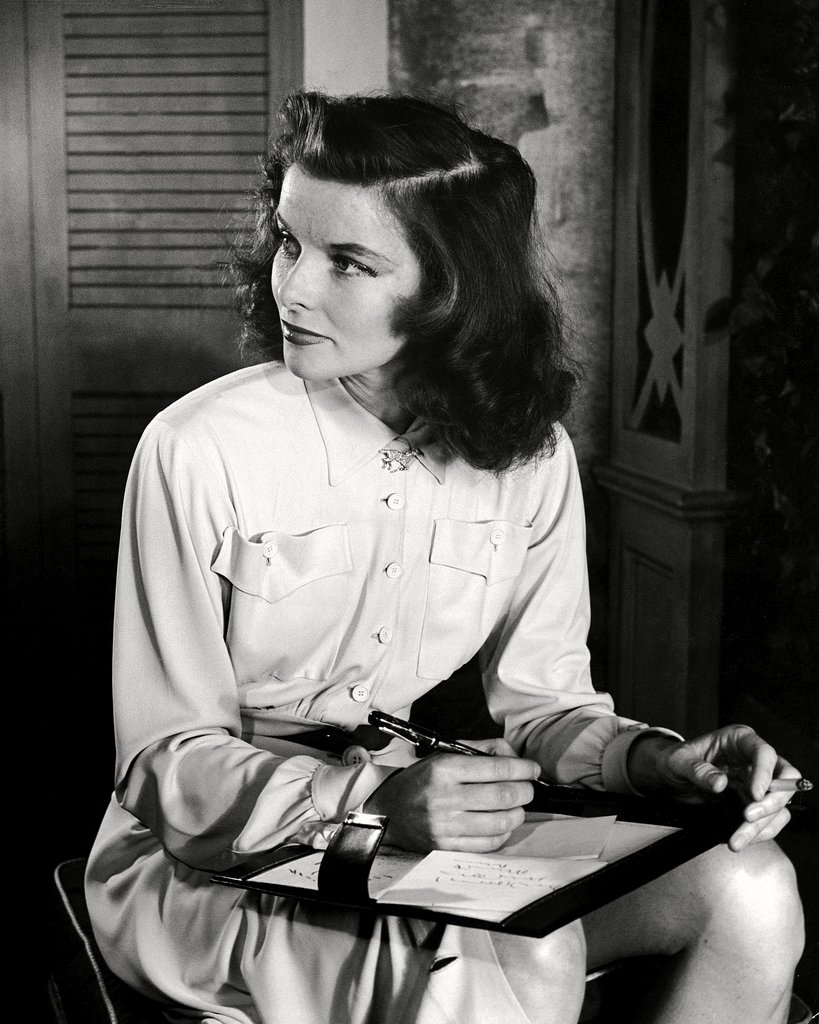KATHARINE HEPBURN IN 'THE PHILADELPHIA STORY' - 8X10 PUBLICITY PHOTO (ZZ-609)