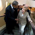 PRESIDENT BARACK OBAMA WITH GERMAN CHANCELLOR ANGELA MERKEL 8X10 PHOTO (EE-000)