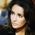 ELIZABETH TAYLOR LEGENDARY ACTRESS - 8X10 PUBLICITY PHOTO (NN-131)