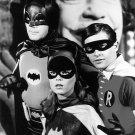 ADAM WEST, BURT WARD AND YVONNE CRAIG IN 'BATMAN' 8X10 PUBLICITY PHOTO (DA-510)