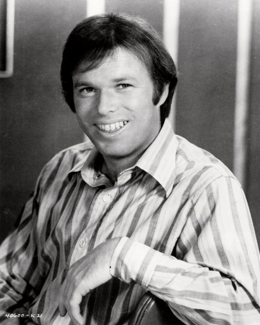 ACTOR KEVIN TIGHE ROY DESOTO IN 'EMERGENCY!' - 8X10 PUBLICITY PHOTO (ZY-201)