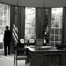 PRESIDENT BARACK OBAMA LOOKS OUT WINDOW OF OVAL OFFICE - 8X10 PHOTO (DA-512)