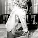 BARBARA EDEN IN 'I DREAM OF JEANNIE' - 8X10 PUBLICITY PHOTO (XEE-126)