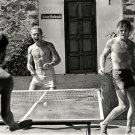 PAUL NEWMAN ROBERT REDFORD PLAY PING PONG IN DURANGO MEXICO 8X10 PHOTO (BB-973)