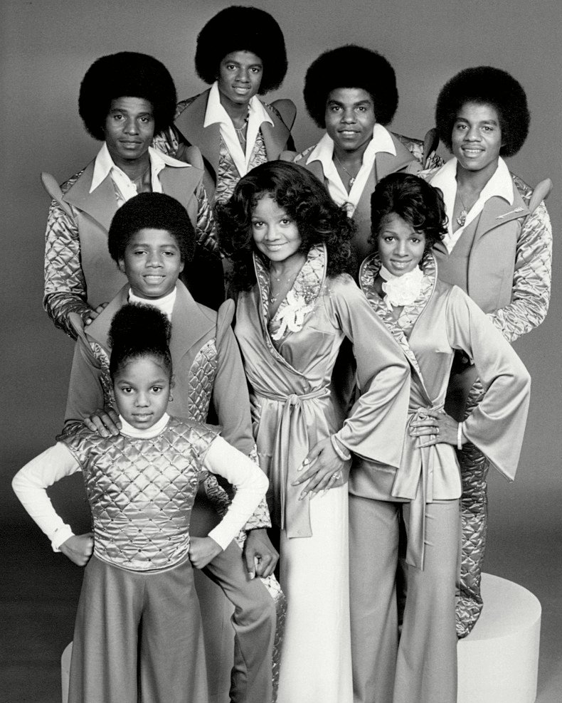THE JACKSONS SIBLINGS VARIETY SHOW - 8X10 PUBLICITY PHOTO (BB-544)
