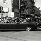 JOHN F. KENNEDY LIMOUSINE TURNS ON TO MAIN STREET IN DALLAS 8X10 PHOTO (BB-622)
