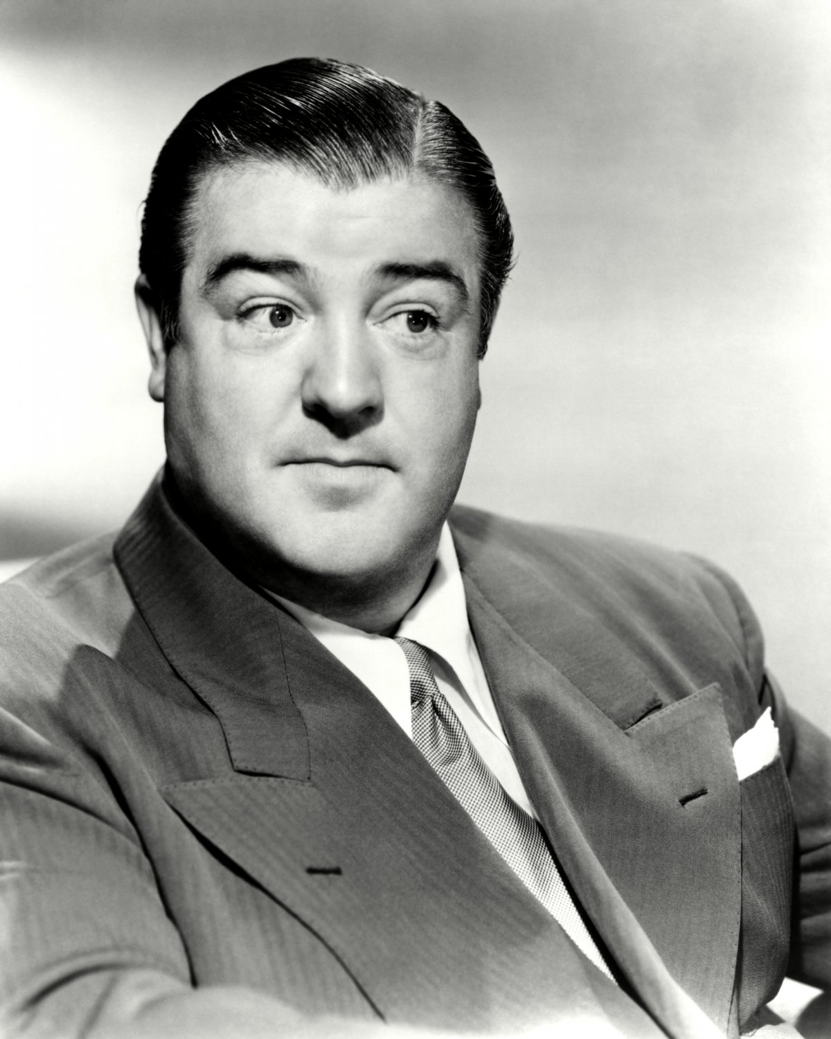 LOU COSTELLO ACTOR AND COMEDIAN - 8X10 PUBLICITY PHOTO (NN-143)