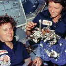 ASTRONAUTS SALLY RIDE & KATHY SULLIVAN ON STS-41-G - 8X10 NASA PHOTO (AA-292)