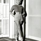 BETTY GRABLE IN 'HOW TO MARRY A MILLIONAIRE' 8X10 PUBLICITY PHOTO (DA-635)